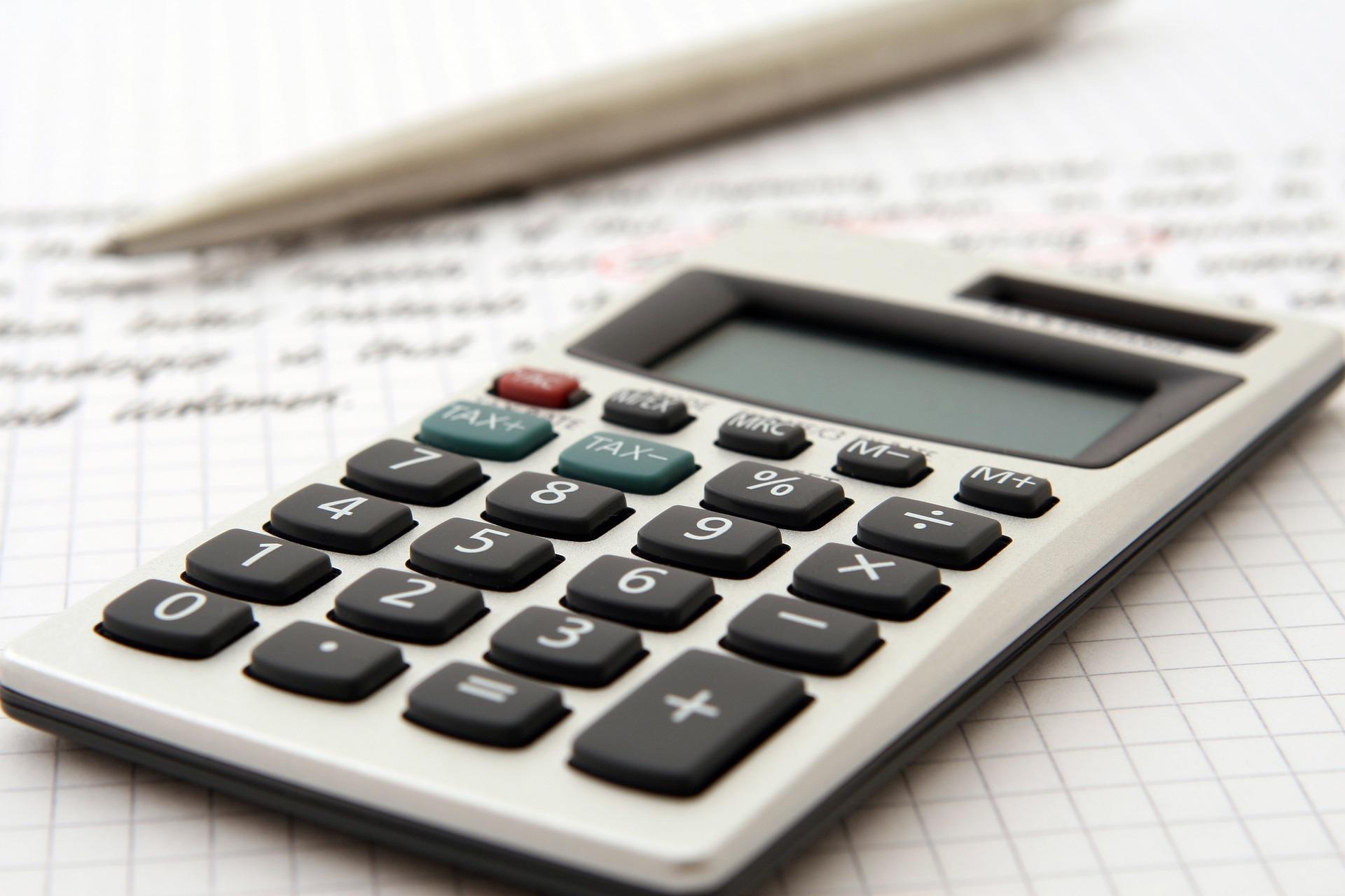 accountant-1238598_1920